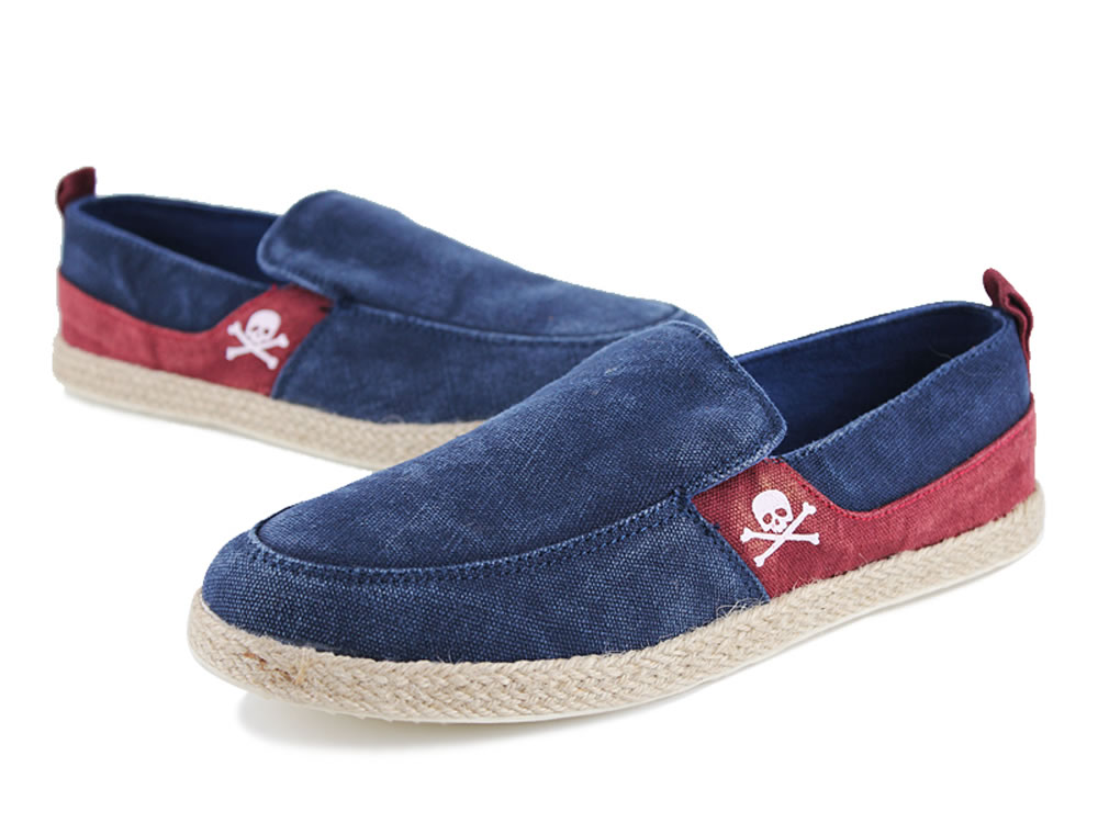 V17 Skull Pattern Blue Slip-on Breathable Canvas Casual Shoes