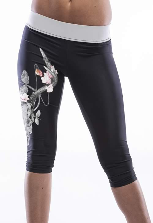 Flower Print Black Knee Length Yoga Pants