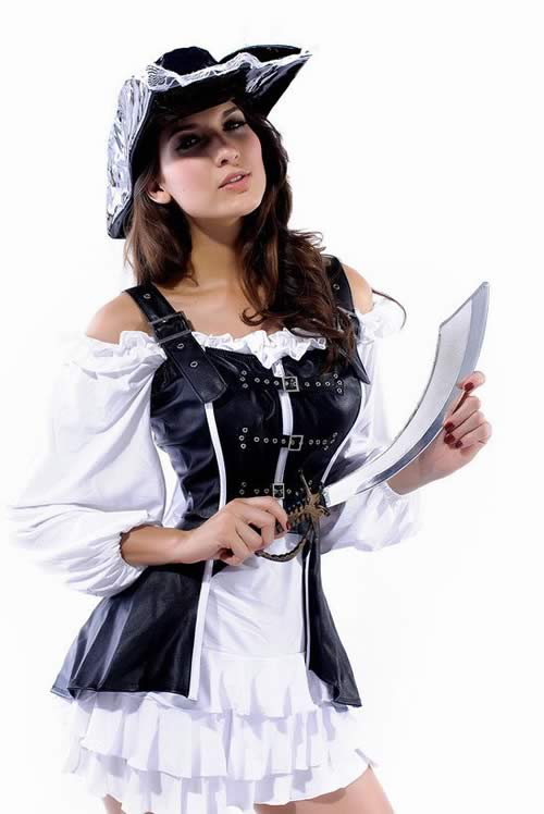 Halloween Pirate Maiden Costume in Black White