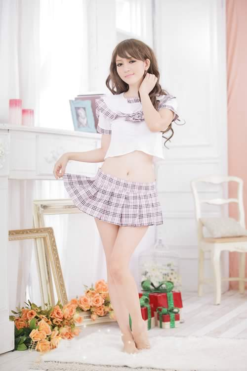 Simple and Romantic School Girl Costume with Plaid Skirt