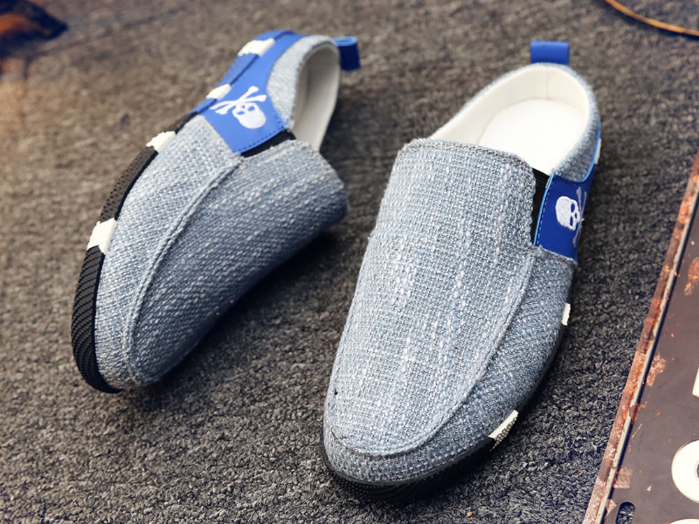 V17 Skull Breathable Canvas Slippers Blue Skate Shoes