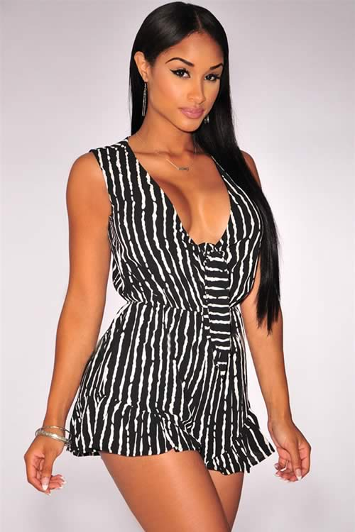 Printed Ruffle Tie Knot Front Romper in Black White